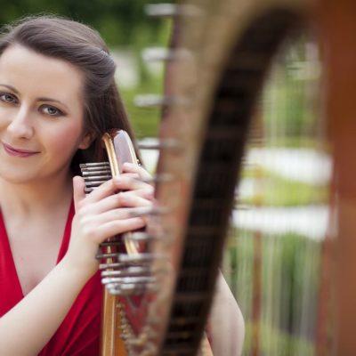 Zuzanna Olbryś harpist