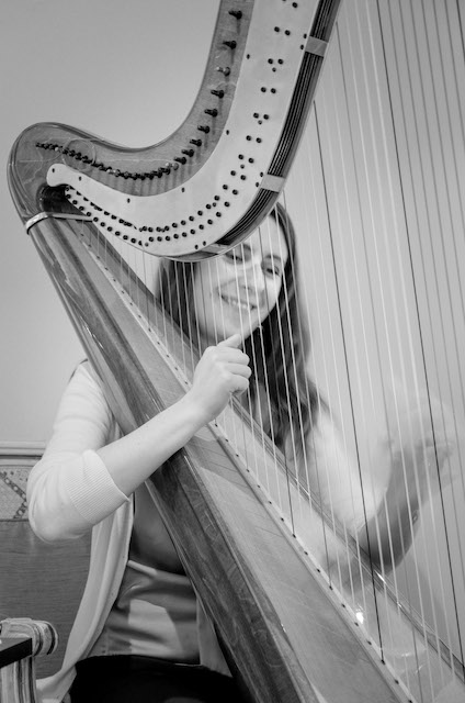 Zuzanna playing the harp