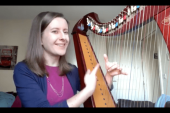 Live 27: Little finger on the harp