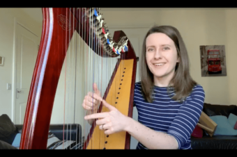 Live Harp Lesson 41 – Playing hands together