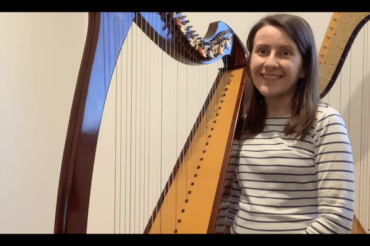 Live Harp Lesson 43 – How to make sure you bend your thumbs?