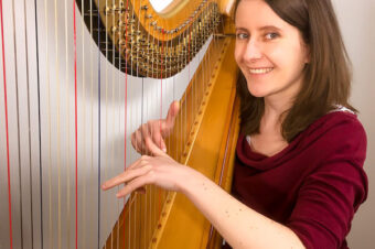 Do you need talent to play the harp? – Coffee Break Harp 16