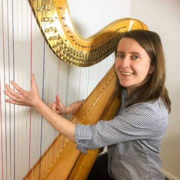 How to play harmonics on the harp – and make them reliable! – Coffee Break Harp 21